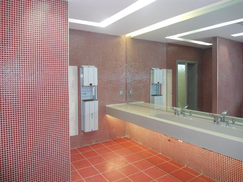- HÜRRİYET GAZETESİ BAYAN WC, İST 2  | Betaş